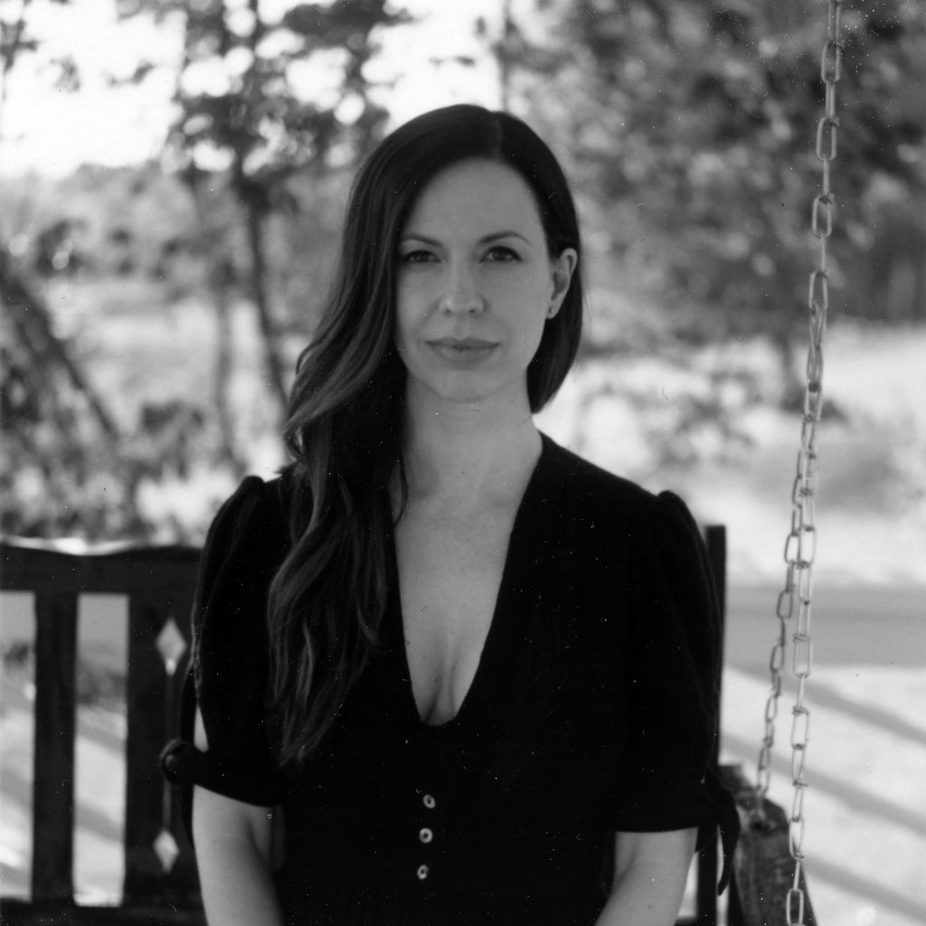 56b8aa4ca Joy Williams Talks 'Coming Home' on New Album 'Front Porch'